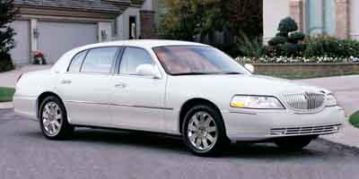 2003 LINCOLN TOWN CAR 4-Speed AT 46L SOHC SMPI V8 4-Speed AT 46L SOHC SMPI V8 Rear-wheel dr