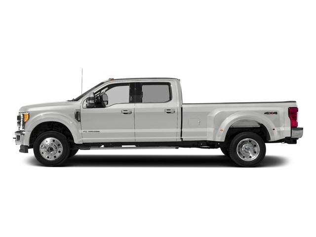 2017 Ford Super Duty F-450 DRW XLT / Meadowvale Ford