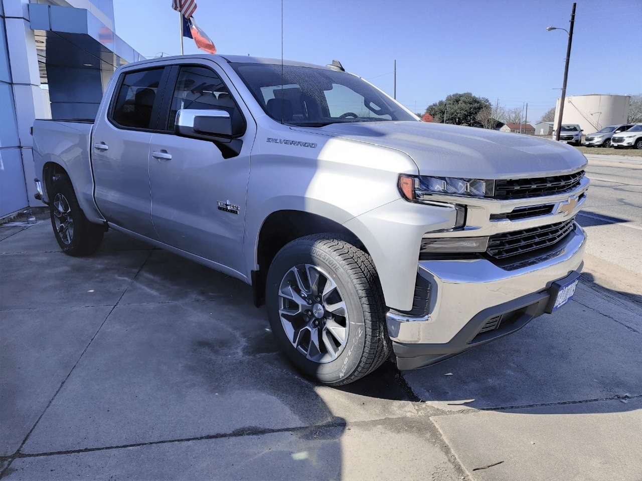 2021 Chevrolet Silverado 1500 Crew Cab Short Box 2-Wheel Dri photo